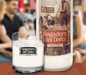 licor crema d'arròs Segadors del Delta en copa